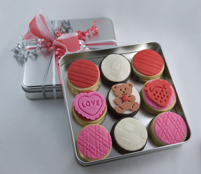 Sweet Isabelle's love box cookies decorated with marshmallow
